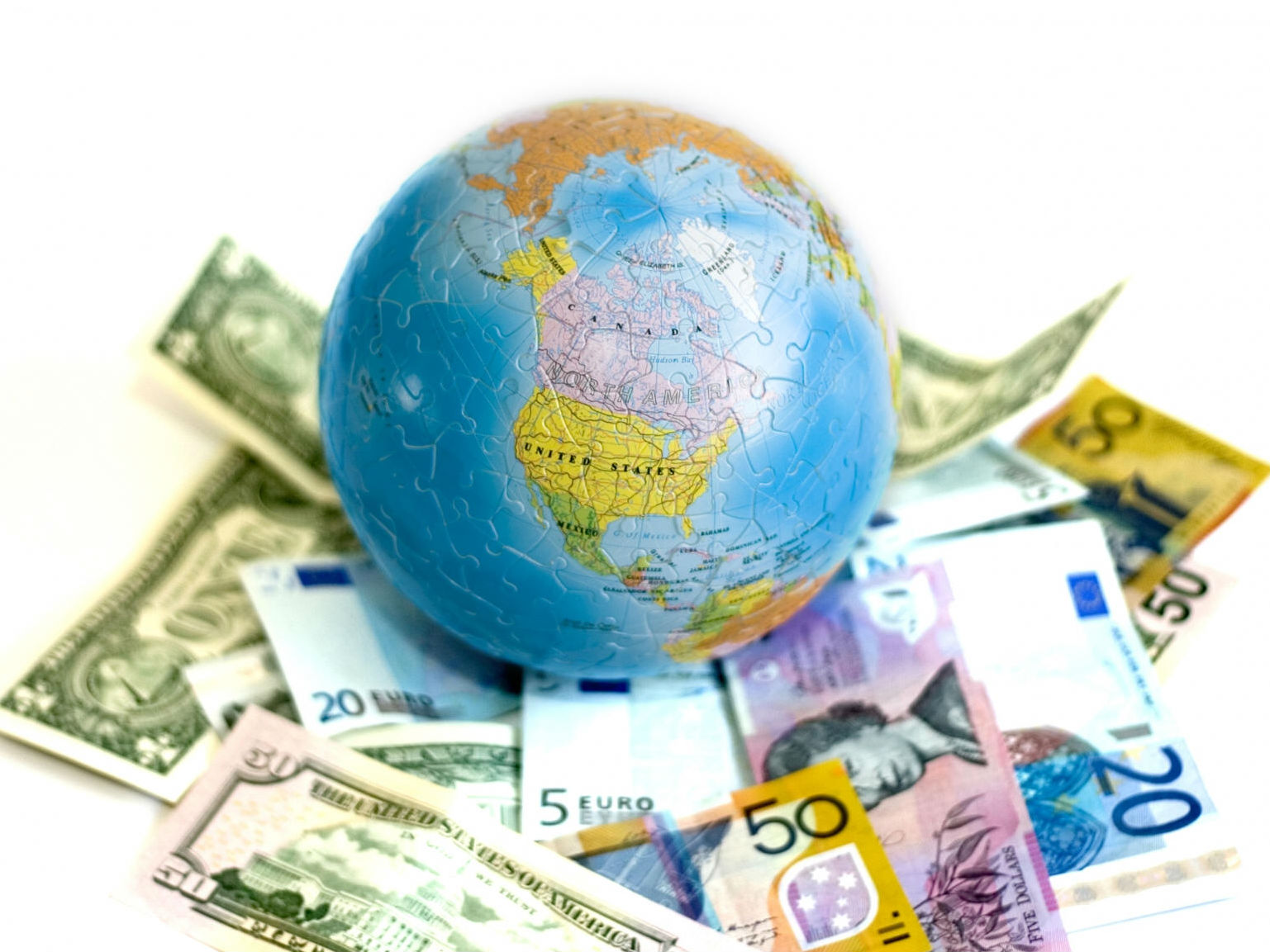 过去50年间世界经济总量增长趋势_世界经济增长趋势图片